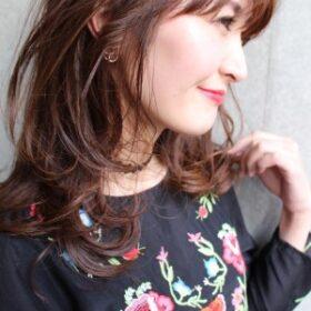 jille-透け感のある柔らかいブラウンのロングヘア