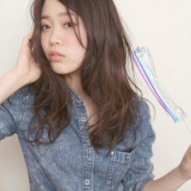 partil-前髪を流したロングヘア