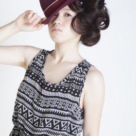 RoomieЯoom-帽子の似合う女性