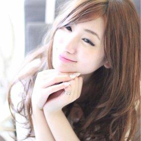RE_MARUSAN_HAIR-微笑むセミロング女性