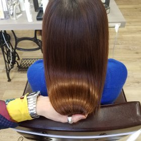 RoomieЯoom-明るいブラウンストレート後ろ髪