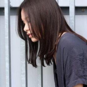 meika-黒髪ストレートのセミロング