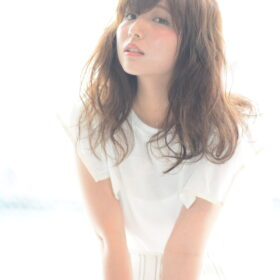 LeyYokohama-透明感のあるセミロングスタイル