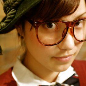 grow-眼鏡の似合うショート