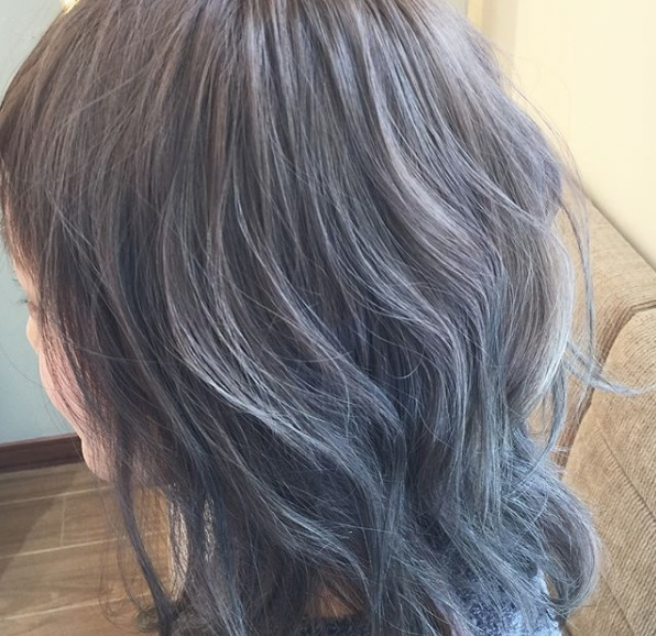 sapporo-color-透け感カラーのウェーブヘア