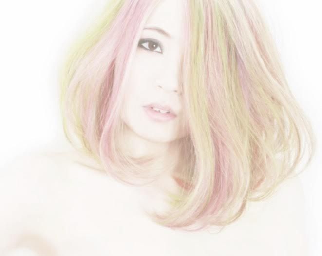 sapporo-secret-カラフルな髪の女性