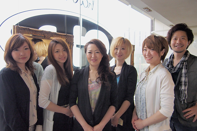 woman-stylist-gladroom-女性スタイリスト集合写真